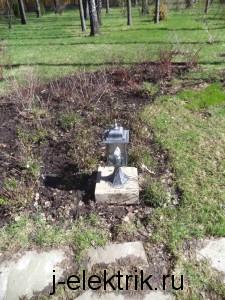 Светильник на постаменте