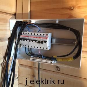 Вывод кабеля в щиток дачи
