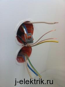 Монтаж кабеля регулятора теплого пола