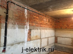 Прокладка кабеля по стенам