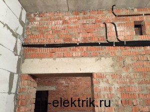 Услуги электрика в кирпичном доме