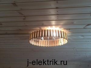 Установка люстры в деревянном доме